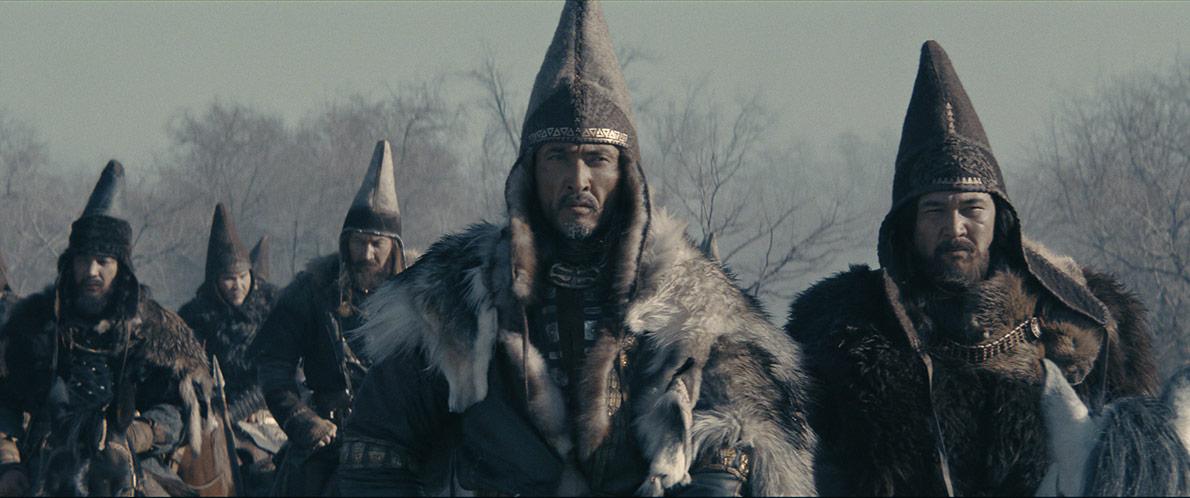 Кадр из фильма Томирис. Спаргап с воинами на территории акибатов